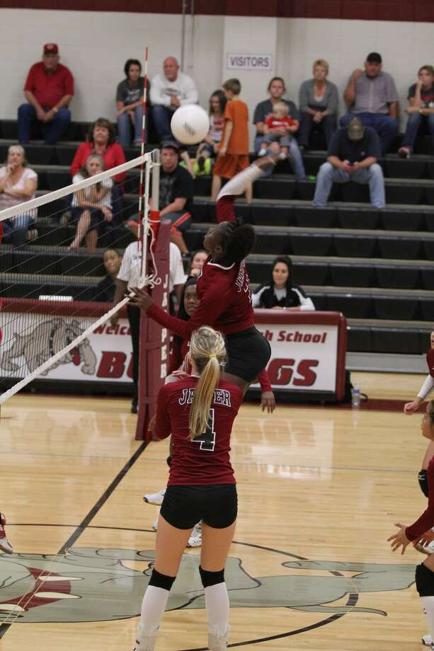 Jasper volleyball in action Photo: Jason Dunn