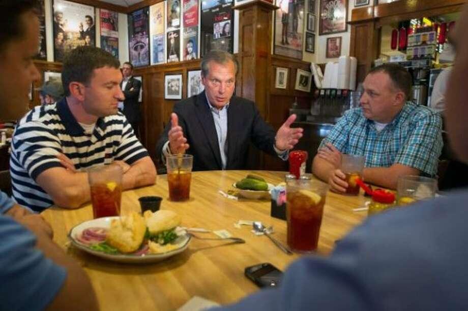 David Dewhurst seeks votes. (Houston Chronicle)