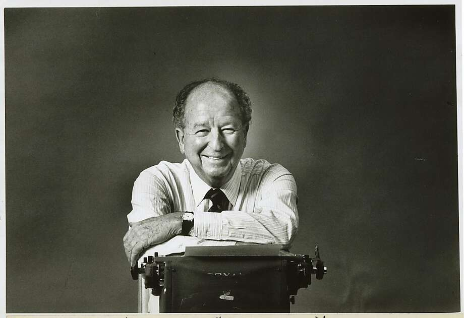 Columnist Herb Caen at his noted Royal typewriter in 1989. Photo: Gary Fong, The Chronicle 1989.