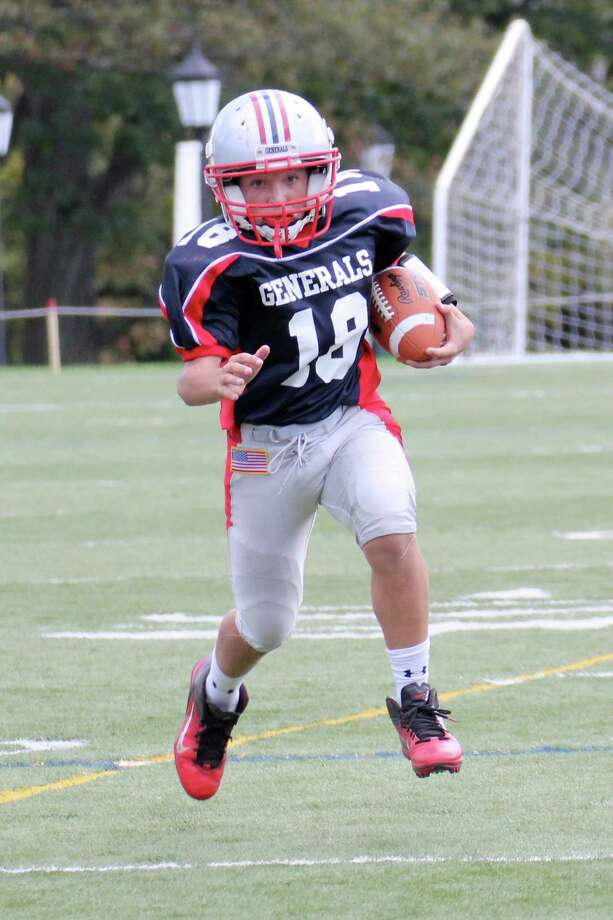 Senior Generals' Cole Hartley runs against the Bulldogs. October 2012. Photo: Contributed Photo