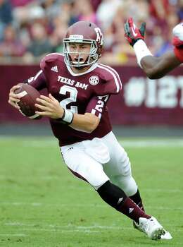 Texas A&M quarterback Johnny Manziel (2)during the first half of an NCAA college football game against the Arkansas Saturday, Sept. 29, 2012, in College Station, Texas. (AP Photo/Pat Sullivan) Photo: Pat Sullivan, Associated Press / AP