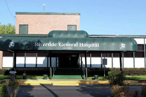 FBI agents arrested Riverside General Hospital's longtime CEO Earnest Gibson III, his son and four others at the historic Houston hospital on Thursday.