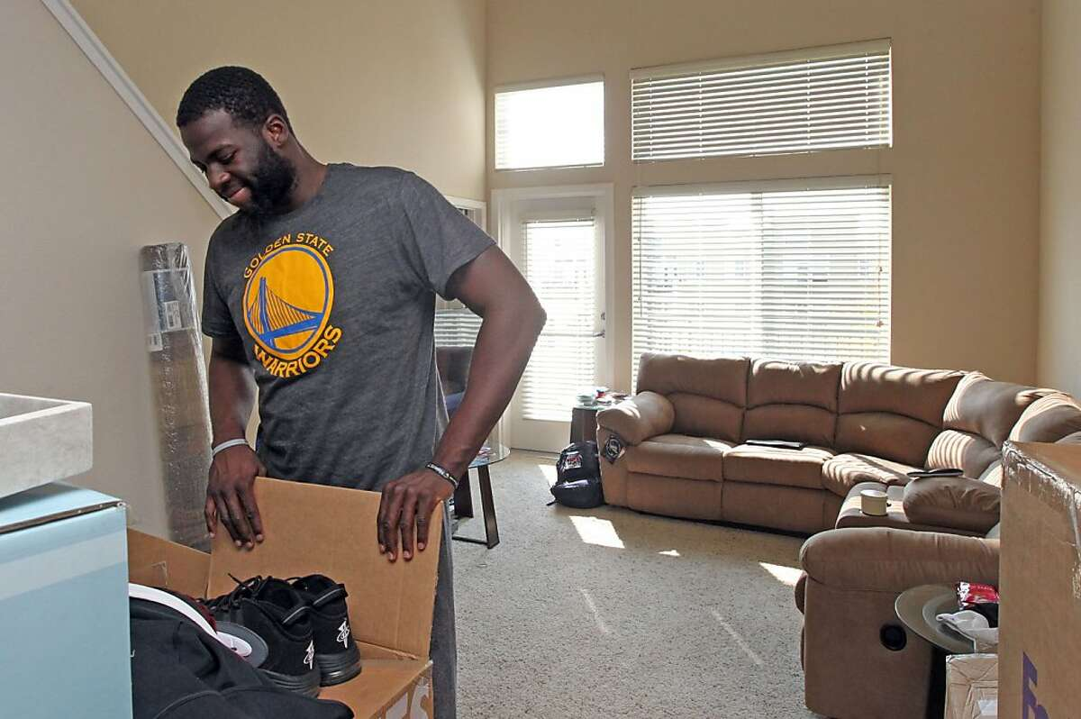 Warriors rookie Draymond Green moves into his new East Bay apartment Tuesday September 25, 2012.