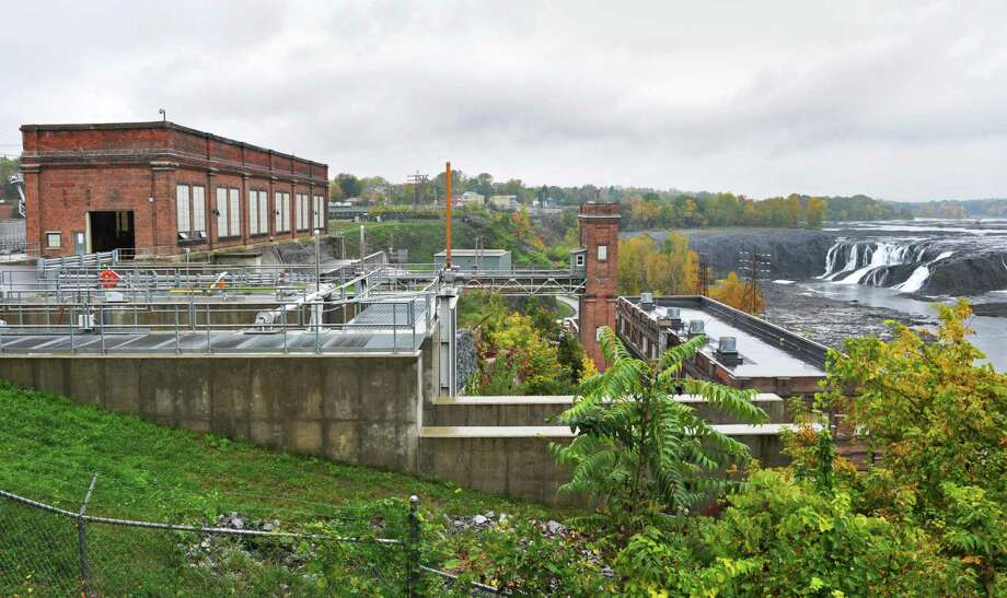 Brookfield's School St. hydropower plant in Cohoes Thursday Oct. 4, 2012.  (John Carl D'Annibale / Times Union) Photo: John Carl D'Annibale / 00019545A