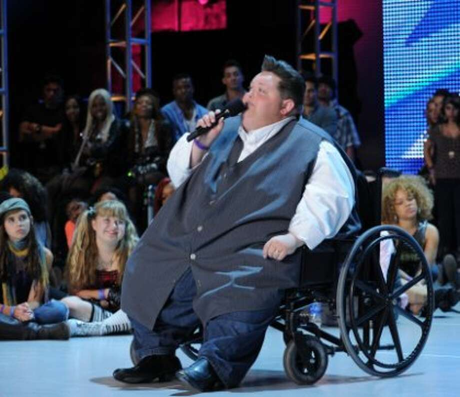 """THE X FACTOR: Eddie Combs performs on the first night of """"Boot Camp"""" in Miami, FL, on an all-new episode of THE X FACTOR airing Wednesday, Oct. 3 (8:00-9:00PM ET/PT) on FOX. CR: Ray Mickshaw/ FOX (                                                      )"""