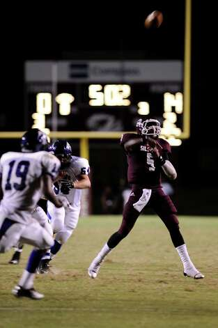 Football game between PNG and Silsbee at Silsbee High School on Friday, August 31, 2012. Photo taken: Randy Edwards/The Enterprise Photo: Randy Edwards, Photojournalist / Enterprise