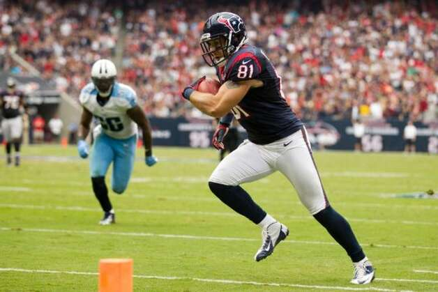 Houston Texans tight end Owen Daniels (81) runs toward the end zone against the Tennessee Titans during the third quarter at Reliant Stadium on Sunday, Sept. 30, 2012, in Houston.  (Brett Coomer / Houston Chronicle / Houston Chronicle)