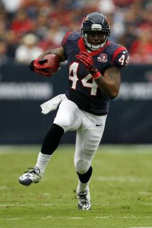Houston Texans running back Ben Tate (44) runs the ball against the Tennessee Titans during the first quarter at Reliant Stadium on Sunday, Sept. 30, 2012, in Houston.  (Brett Coomer / Houston Chronicle / Houston Chronicle)
