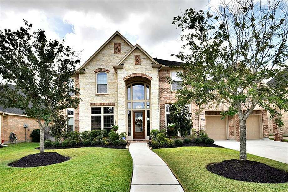 28619 Blue Holly Lane | Coldwell Banker United | Photo: CBU