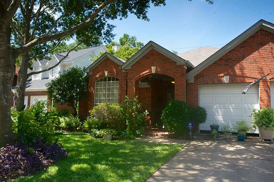 7435 Marble Glen Lane/Copperfield| Coldwell Banker United | Photo: CBU