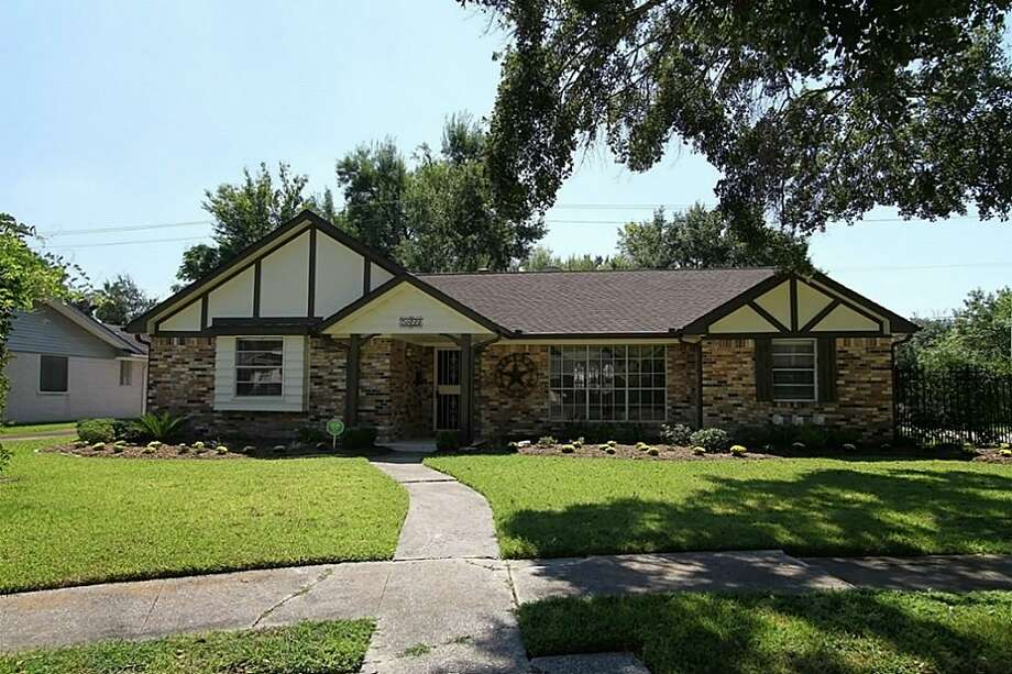 5855 Queensloch | Coldwell Banker United | Photo: CBU