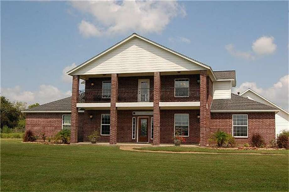 4930 County Road 182| Coldwell Banker United | Photo: CBU