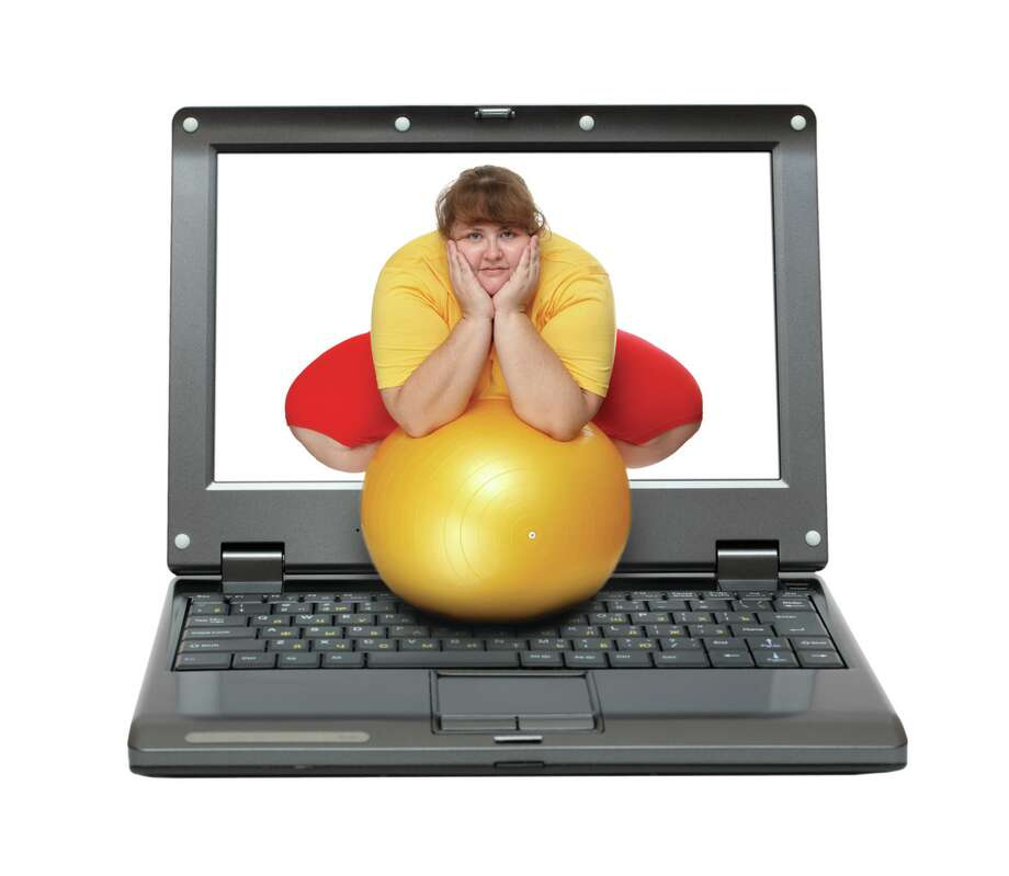 Yes, social media can make you fat. (Fotolia.com) Photo: Kokhanchikov / Kokhanchikov - Fotolia
