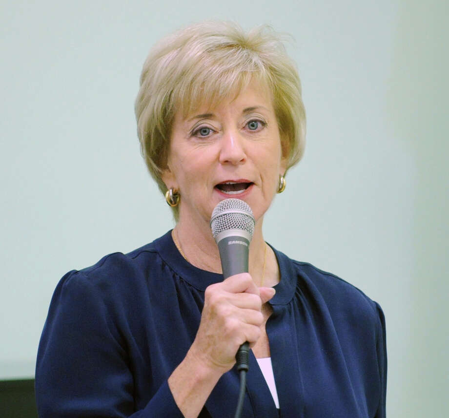 Republican candidate for the U.S. Senate Linda McMahon, left, of Greenwich, campaigns at the Greenwich Senior Center, Friday afternoon, Sept. 14, 2012. Photo: Bob Luckey / Greenwich Time