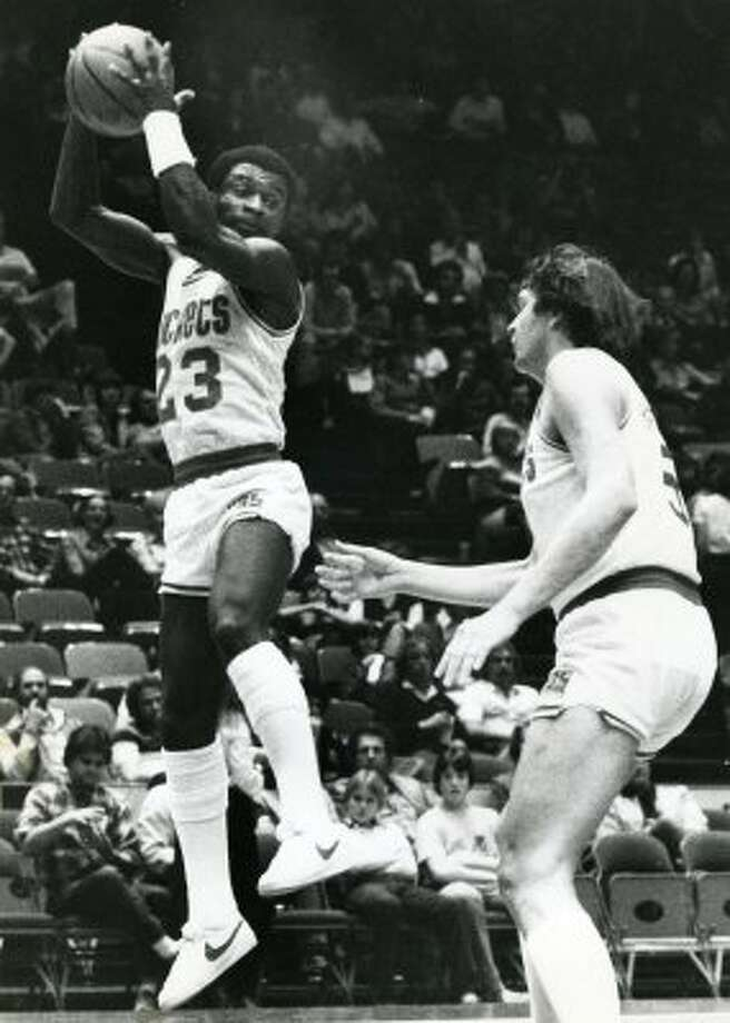 Calvin Murphy: Hall-of-Famer put his scoring touch and face on the franchise. (Tim Johnson / Tim Johnson)