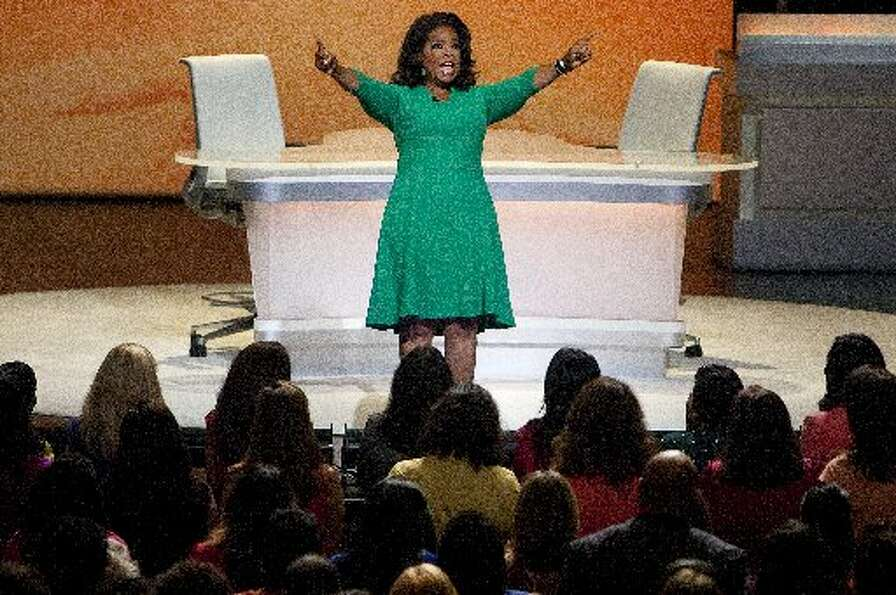 Oprah rallies crowd