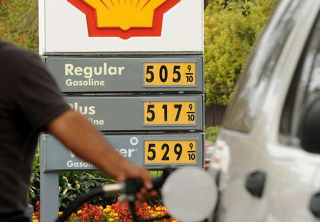 A Shell station in Menlo Park sells gas for $5.05 per gallon. Drivers in the state have seen unprecedented price jumps this week. Photo: Noah Berger, Associated Press