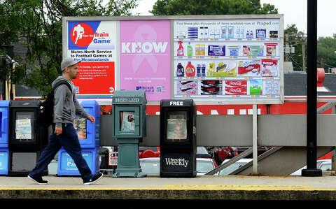 Peapod tempts rail commuters with new billboards