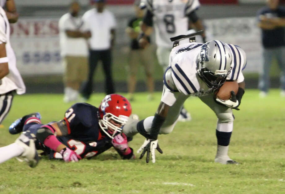 West Orange-Stark player Tremaine Anderson rushes during the game against Hardin Jefferson Friday in Sour Lake. Matt Billiot Photo: Matt Billiot