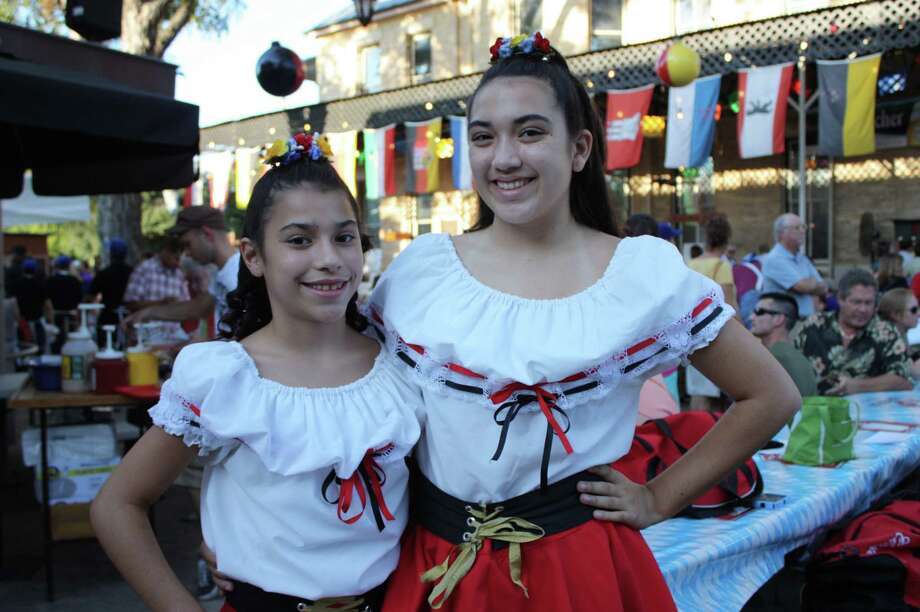 People enjoying Oktoberfest festivities (Beethoven Maennerchor) San Antonio 2012: Yvonne Zamora, mySA.com/ SA Photo: Yvonne Zamora, MySA.com/ SA