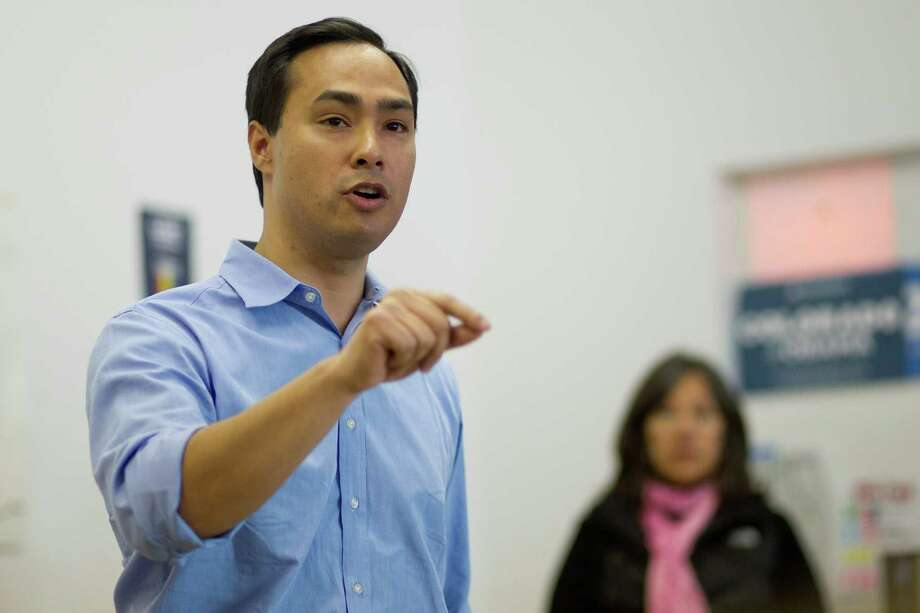 Texas state Rep. Joaquín Castro addresses a crowd of volunteers at the Obama for America West office in Denver, Saturday, Oct. 6, 2012, before the group begins canvasing the streets to register people to vote in the Nov. 6 general election. Photo: Justin Edmonds, For The Express-News / © 2012 Justin Edmonds