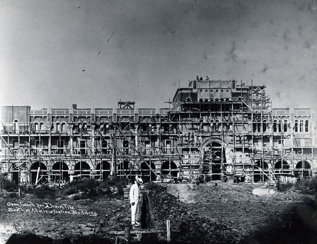Undated construction of the Rice University Administration Building.