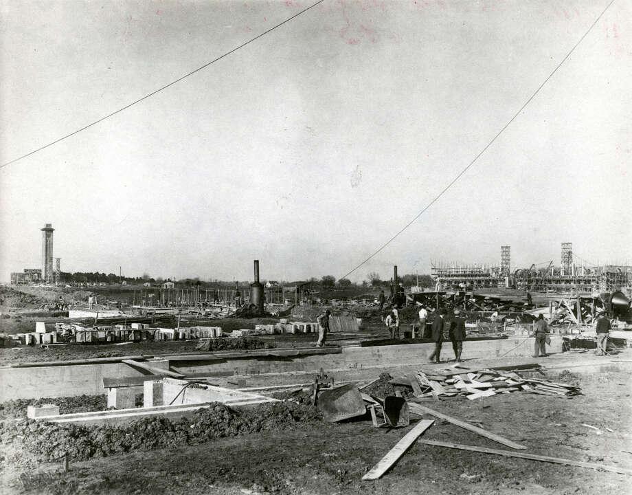 Undated construction at Rice Institute. Photo: Houston Chronicle File Photo