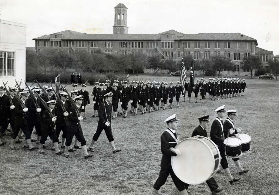 Full dress review of the drum and bugle corps with company commanders in the front, with Rice Institute in the background on January 24, 1942. Photo: Houston Chronicle File Photo