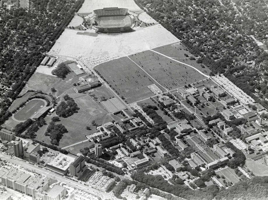 Rice Universtiy buildings and campus, November of 1977. Photo: Houston Chronicle File Photo