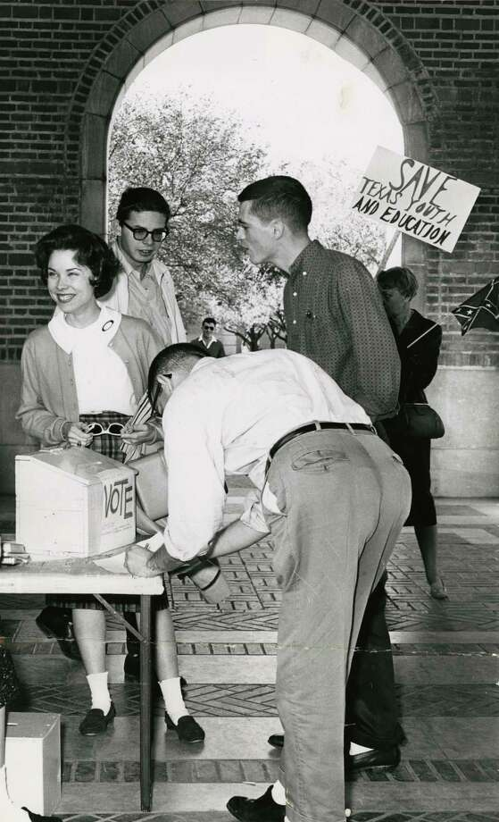 Rice students vote in an election in December of 1961. Photo: Houston Chronicle File Photo
