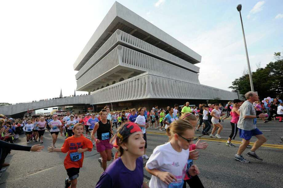 19th Annual Susan G. Komen Northeastern New York Race for the Cure, Saturday, October 5, Empire State Plaza. Photo: Michael P. Farrell