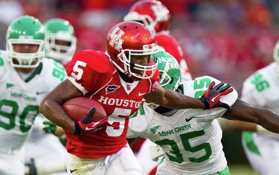 Houston running back Charles Sims rushed for 851 yards and 11 touchdowns in 2012. Photo: Nick De La Torre / © 2012  Houston Chronicle