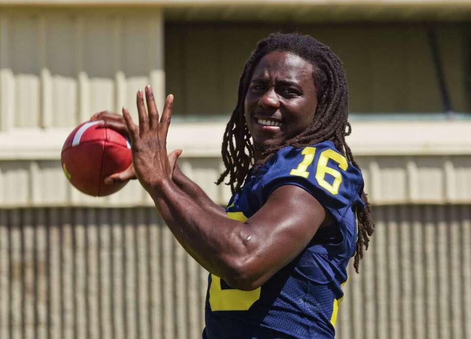 Denard Robinson, Michigan quarterback Photo: Handout / FR143848 AP