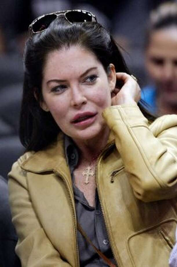 Actress Lara Flynn Boyle looks unrecognizable.