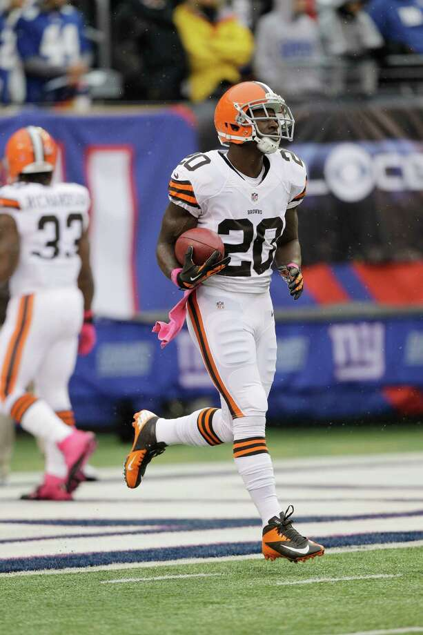 Cleveland Browns running back Montario Hardesty (20) warms up before an NFL football game between the New York Giants and the Cleveland Browns Sunday, Oct. 7, 2012, in East Rutherford, N.J. (AP Photo/Kathy Willens) Photo: Kathy Willens / AP