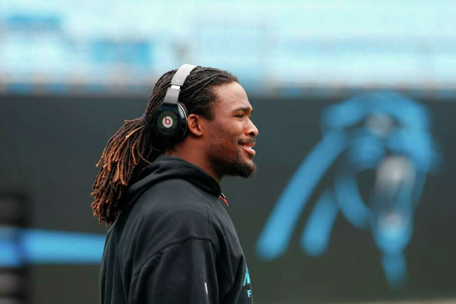 Carolina Panthers' DeAngelo Williams warms up before an NFL football game against the Seattle Seahawks in Charlotte, N.C., Sunday, Oct. 7, 2012. Photo: AP