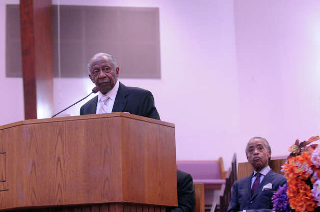 "Rev. Robert Perry speaks before Rev. Al Sharpton serves as a guest preacher during a ""Get Out to Vote Rally"" at the Union Baptist Church on Newfield Avenue in Stamford, Conn., Oct. 7, 2012. Photo: Keelin Daly / Stamford Advocate"