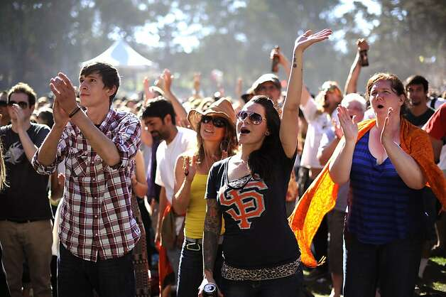 Fans cheers for Les Caypool's Duo De Twang on the Tower of Gold Stage.  Hardly Strictly Bluegrass festival in Golden Gate Park in San Francisco, CA Saturday October 6th, 2012. Photo: Michael Short, Special To The Chronicle