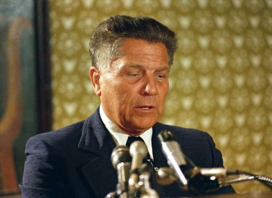 James R. Hoffa, the former Teamsters union president, speaks during a news conference in Washington, in this June 3, 1974 file photo. Going on four decades after years after ex-Teamsters boss Jimmy Hoffa disappeared, law enforcement officials are still digging up sites looking for him. (AP)
