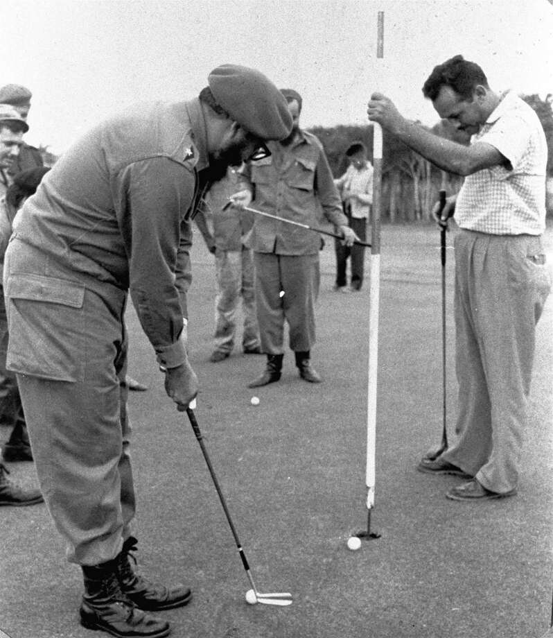 When Fidel plays golf with Che, it isn't bourgeois. Photo: Anonymous, ASSOCIATED PRESS / AP1961