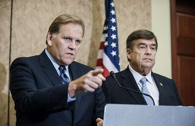Reps. Mike Rogers, R-Mich. (left), and C.A. Ruppersberger, D-Md., want to cut ties with Huawei. Photo: Jay Mallin, Bloomberg