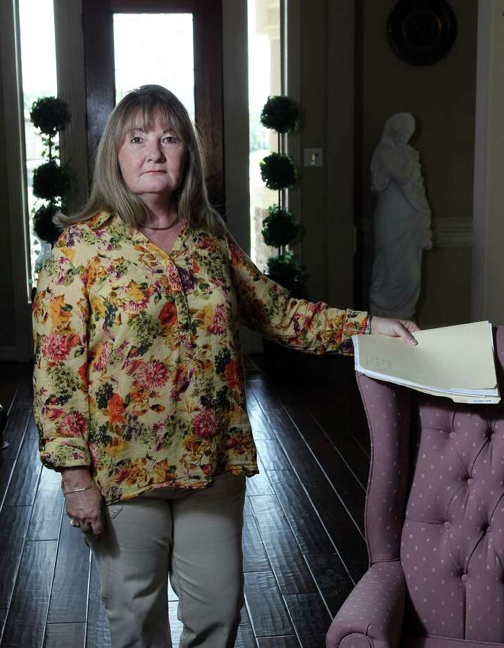 Helen Toscano became increasingly frustrated over two months after encountering one obstacle after another trying to register to vote in Harris County. Photo: James Nielsen / © Houston Chronicle 2012