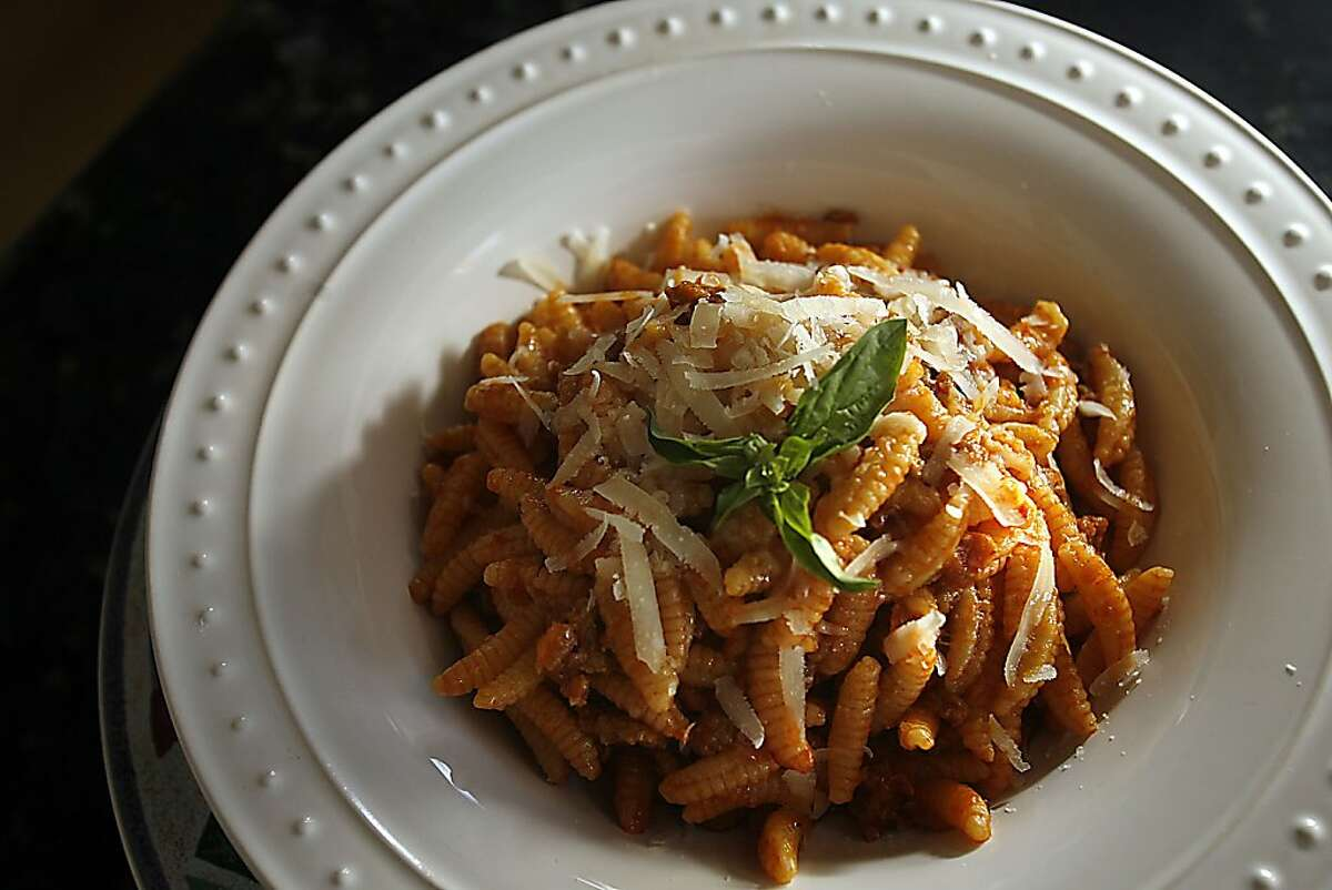 CHEF25_103_LH_.JPG Pasta dish prepared by La Ciccia owner and chef Massimiliano Conti. Liz Hafalia/The Chronicle/San Francisco/4/10/07 **Massimiliano Conti cq