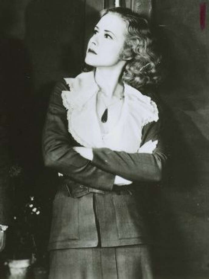 "Mae Clarke in ""Waterloo Bridge."" (Universal / Chronicle File)"