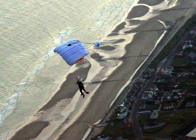 Felix Baumgartner arrives in Calais on July 31, 2003, making him the first person to fly unpowered across the English Channel. Photo: AFP/Getty Images