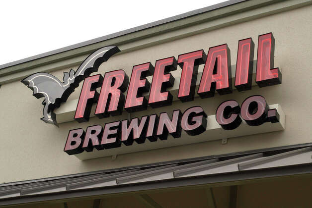 Freetail Brewing Co.'s first day of business in 2008. San Antonio Express-News file photo Photo: ROBERT MCLEROY, - / SAN ANTONIO EXPRESS-NEWS