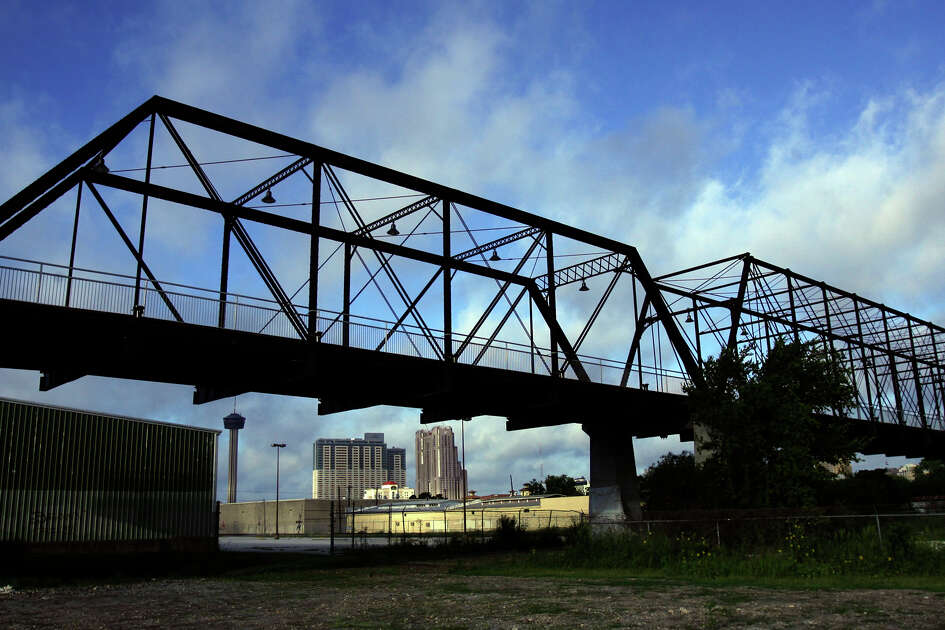 The Hays Street Bridge spans over Union Pacific railroad tracks on the near East Side of San Antonio. John Davenport / San Antonio Express-News