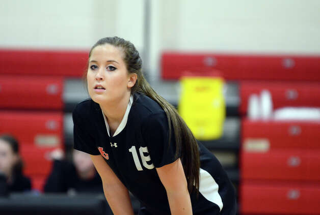 New Canaan's Samantha Moffatt (16) during the girls volleyball game against Stamford at New Canaan High School on Tuesday, Oct. 9, 2012. Photo: Amy Mortensen / Connecticut Post Freelance