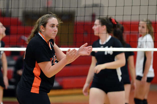 Stamford's Katie DeBrisco (9) during the girls volleyball game against New Canaan at New Canaan High School on Tuesday, Oct. 9, 2012. Photo: Amy Mortensen / Connecticut Post Freelance