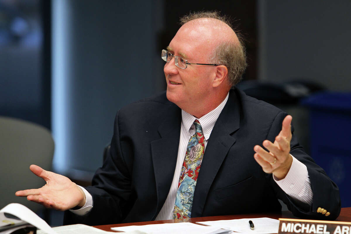 Vice-Chairman Michael Ariens presses for details as Deputy City Manager Pat DiGiovanni goes before an ethics review board to examine whether he violated the city ethics code when he served on a committee evaluating Zachry Corporation for a city contract. October 9, 2012.